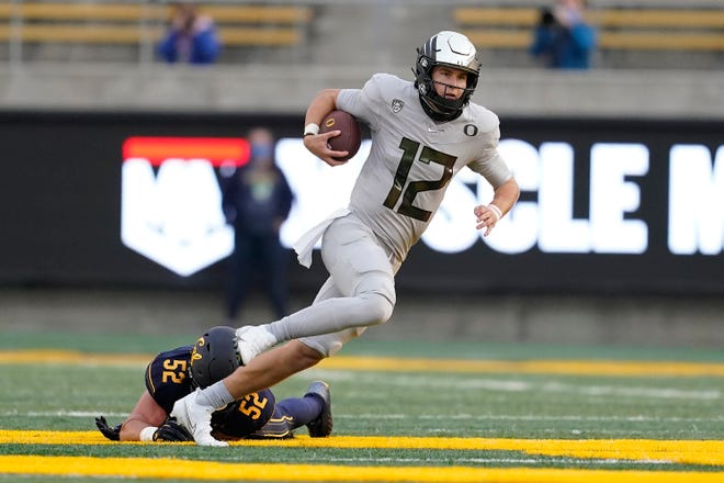 Tyler Shough looks to join Darron Thomas, Marcus Mariota and Justin Herbert as Oregon quarterbacks who have won a Pac-12 championship game.