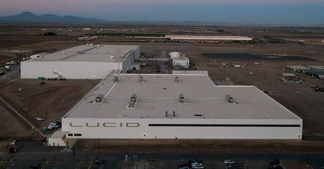Pabrik kendaraan listrik Lucid di Casa Grande, Arizona.
