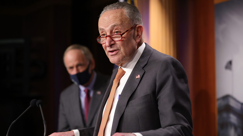 Politics live updates: Schumer says Trump impeachment article will go to Senate on Monday – USA TODAY