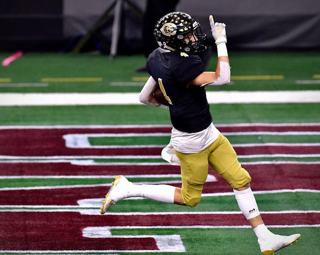 Canadian defeated Franklin 35-34 in the 3A Division II State Championship Thursday afternoon in Arlington.