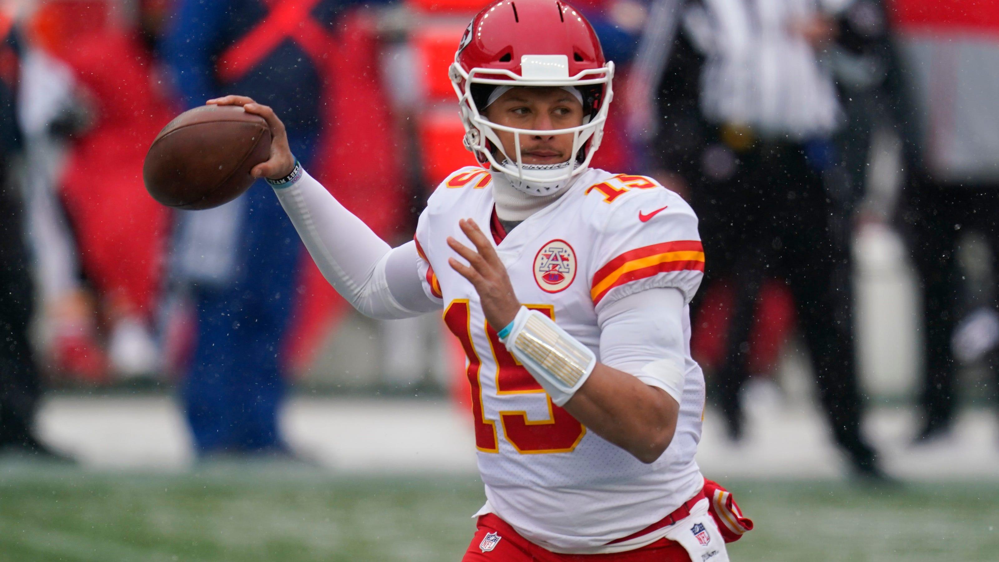 Chiefs must focus on quarterback in 2017 NFL Draft