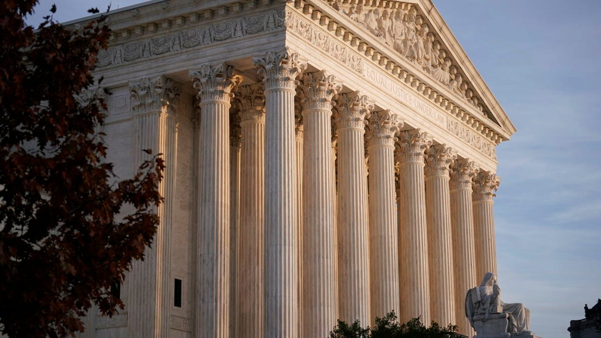 Supreme Court to weigh rollback of abortion rights 3