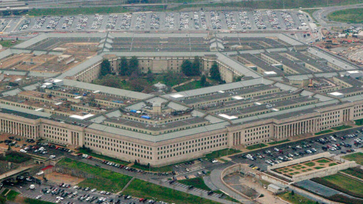 The Pentagon is investing in weapons that can decide when to kill on the battlefield. But can we teach machines to fight ethically? 3