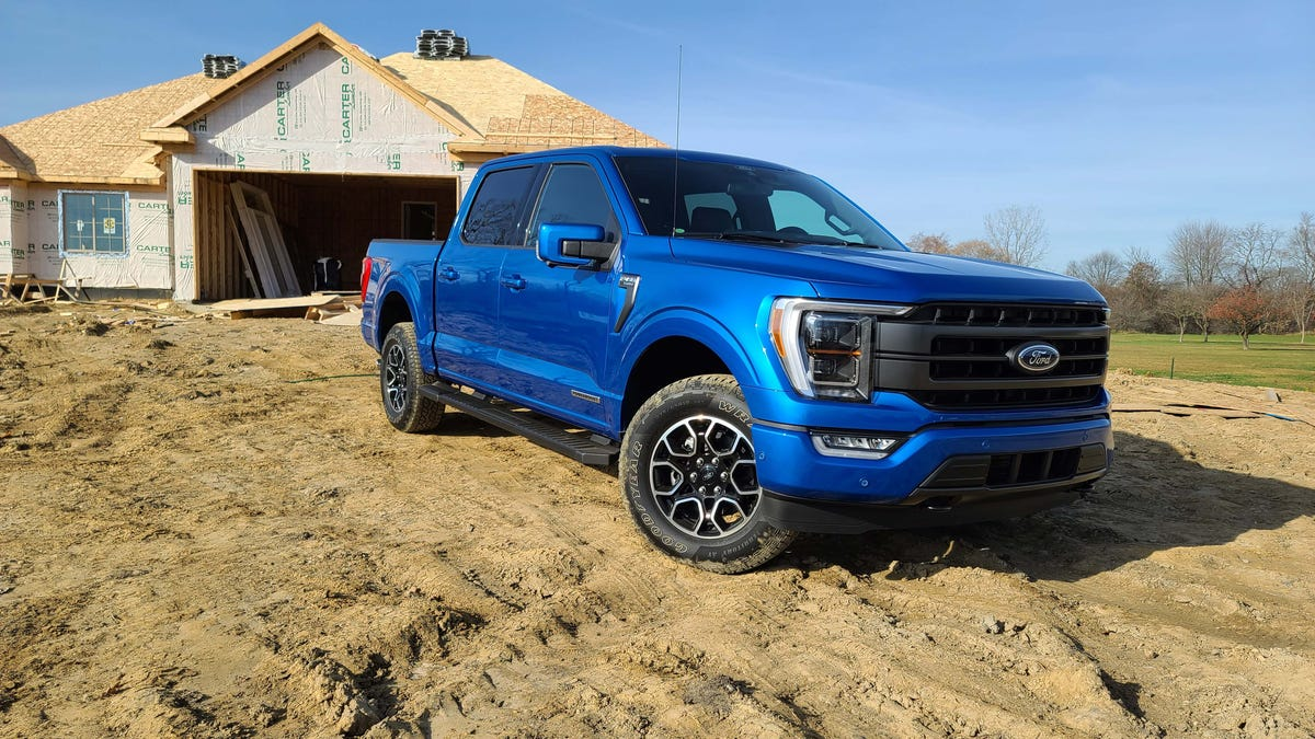 Ford tells dealers to use F-150s with generators to help Texans without power 3