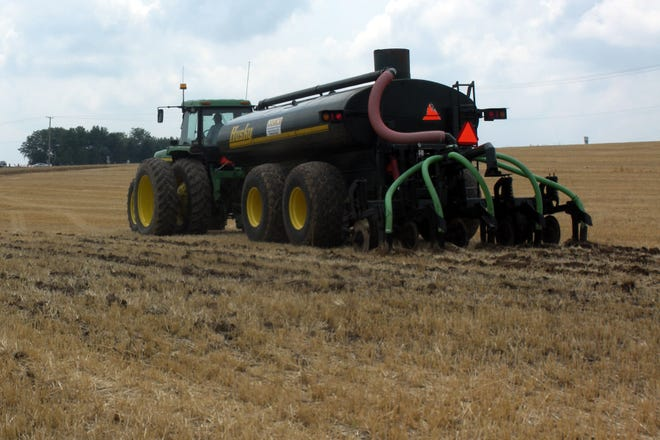 The farmer-led UW Discovery Farms on-farm research has helped farmers determine the best time and method for applying nutrients according to their individual field needs.