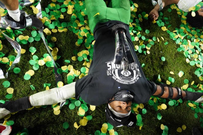 Dec 18, 2020; Los Angeles, California, USA; Oregon Ducks defensive end Kayvon Thibodeaux (5) celebrates after the Pac-12 Championship against the Southern California Trojans at United Airlines Field at Los Angeles Memorial Coliseum. Oregon defeated USC 31-24. Mandatory Credit: Kirby Lee-USA TODAY Sports