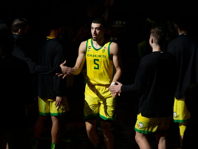 Oregon's Chris Duarte takes the court during team introductions before the Ducks' Dec. 19 game against Portland at Matthew Knight Arena.
