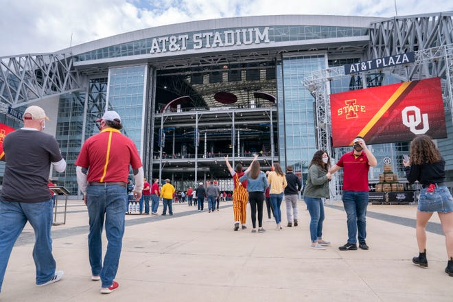 On Saturday, AT&T Stadium in suburban Dallas hosted the Big 12 championship game between Oklahoma and Iowa State.