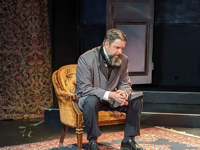 "The one-man ""A Christmas Carol,"" featuring Christopher Savage, was designed for in-person and online audiences, but the The Players' Ring Theatre ultimately decided to cancel all in-person shows through January."