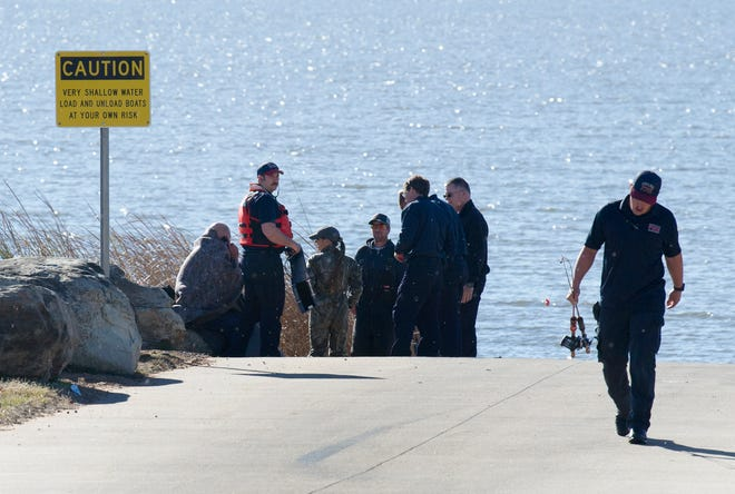 Wichita Falls Firefighters responded to a report of a water rescue Sunday afternoon at the Lake Wichita boat ramp.
