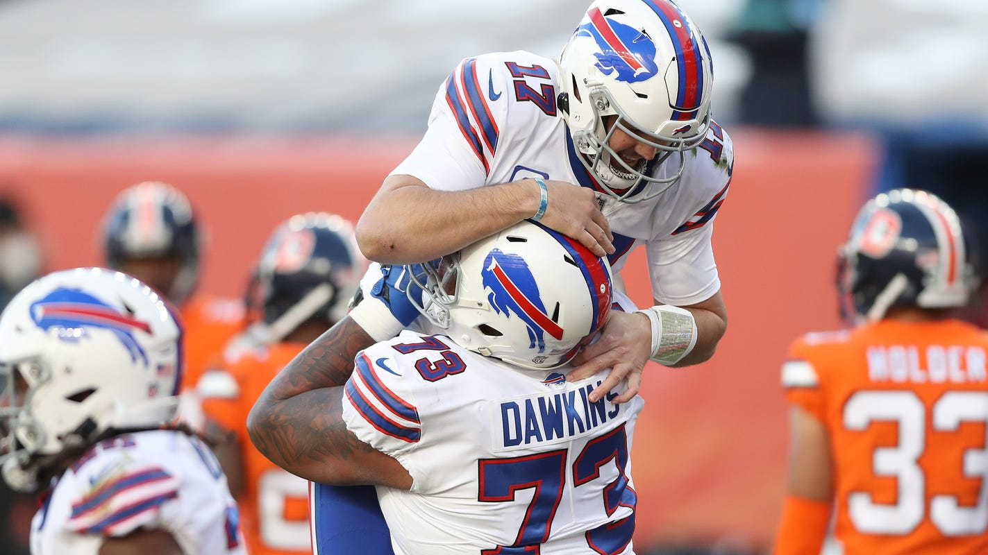 NFL playoff picture with Week 15 underway: Bills wrap up AFC East title for first time since 1995
