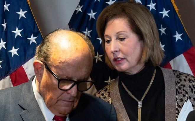 Los abogados del presidente Donald Trump, Rudy Giuliani y Sidney Powell, desafiaron con éxito los resultados de las elecciones presidenciales del año pasado.