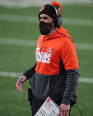 Browns head coach Kevin Stefanski watches second-quarter action during his team's 20-6 win over the New York Giants, Sunday, Dec 20, 2020, in East Rutherford, N.J. (Brad Penner-USA TODAY Sports)