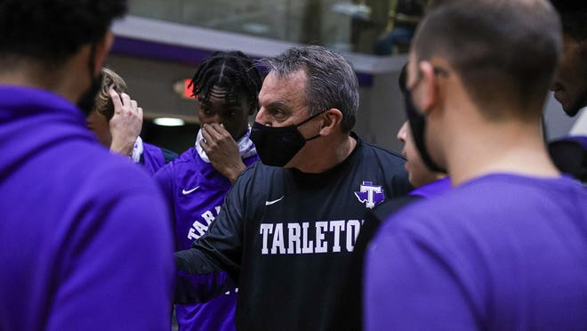 Tarleton Men's Basketball assistant coach Steve Shields, pictured here talking to the players, has resigned from his position. He has accepted a position to become the North Little Rock parks director.