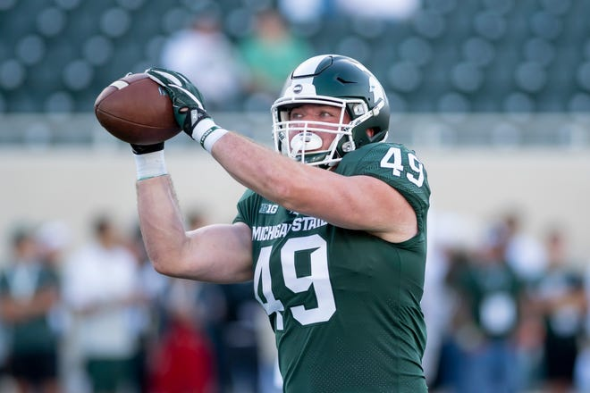 Michigan State fullback Max Rosenthal entered his name in the NCAA transfer portal on Monday.