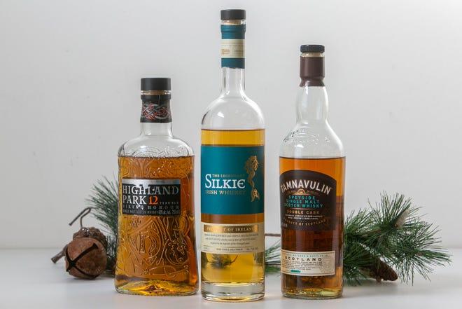 Wiski Malt Scotch Tunggal Highland Park, Wiski Irlandia Silkie, dan Wiski Tamnavulin Speyside Single Malt Scotch. Daftar wiski liburan tahunan Craig.