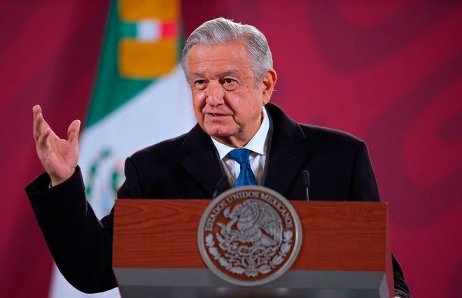 Andrés Manuel López Obrador durante una rueda de prensa matutina este lunes, en Palacio nacional de Ciudad de México.