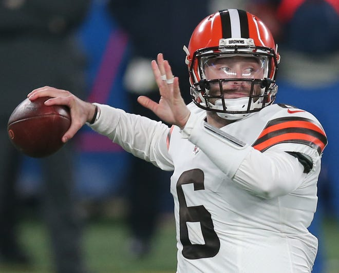 Baker Mayfield threw for 297 yards and 2 TDs in the Browns' win over the Giants.