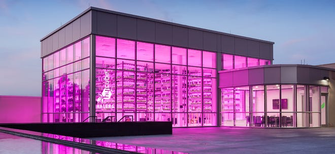"""Kalera's vertical indoor farm at """"HyCube"""" growing facility at the Orlando World Center Marriott."""