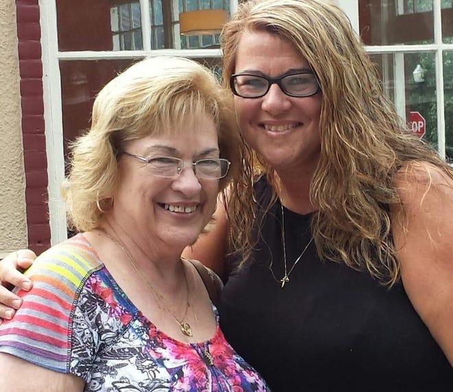 Marilyn Foshee and her daughter Julie Foshee-Knowell