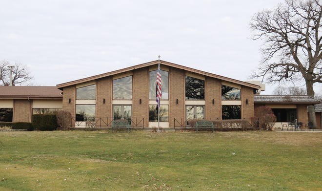 The main building of the Elks Club is part of the deal being manufactured that will allow the City of Pontiac to purchase the club property, including the lodge and the golf course.