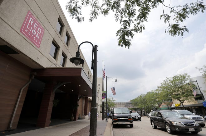 The Red Lion Hotel Paper Valley in downtown Appleton is operating under new ownership.