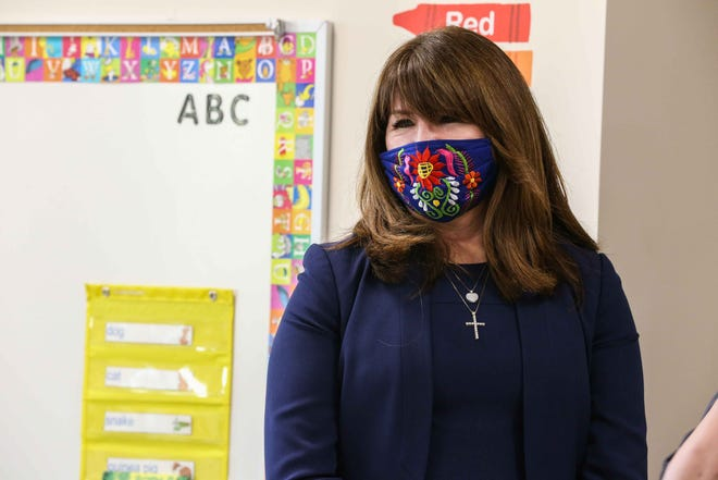 The Austin school board voted Wednesday to grant Superintendent Stephanie Elizalde the authority to close campuses and resume 100% virtual learning after the winter holiday if pandemic conditions continue to worsen.