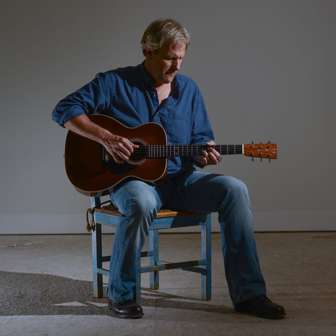 Actor and singer/songwriter Jeff Daniels will perform a concert Thursday for the Woods Hole Film Festival.