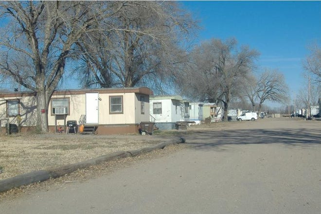 """The state has rescinded a """"do not drink"""" order on the public water supply in Western Acres Mobile Home Court northwest of Hutchinson. [Hutchnews/file]"""