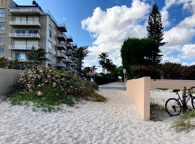 At the end of Root Trail in the Town of Palm Beach is a disputed beach entrance that has been used by the public for decades, but may be private. Photo courtesy Eddie Ritz