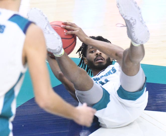 Jamahri Harvey and UNCW have been knocked down by a COVID-19 pause. Will they be able to find their early momentum once they return to the court?