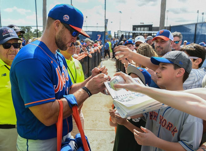 Tim Tebow has been asked to join the Mets' limited spring roster for 2021.