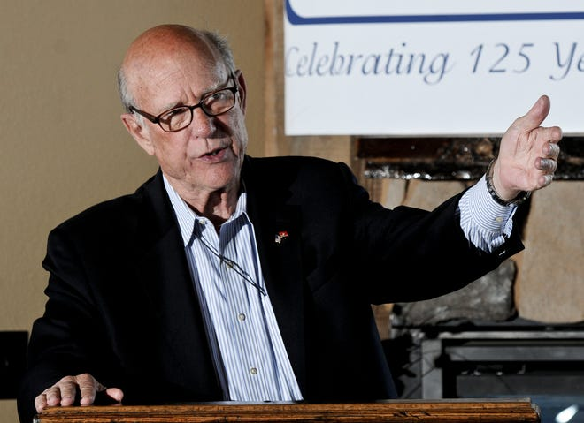Kansas Sen. Pat Roberts talks about the farm bill during a luncheon at Samy's Spirits and Steakhouse. Roberts is closing out his career of representing Kansas in Congress. [BRAD NADING/GARDEN CITY TELEGRAM]