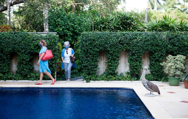 Kit Pannill hosted a garden tour at her Palm Beach home December 17, 2020. The Preservation Foundation of Palm Beach awarded its 2020 Lesly S. Smith Landscape Award to Kit Pannill last March, but the garden tour was postponed due to COVID-19 restrictions.