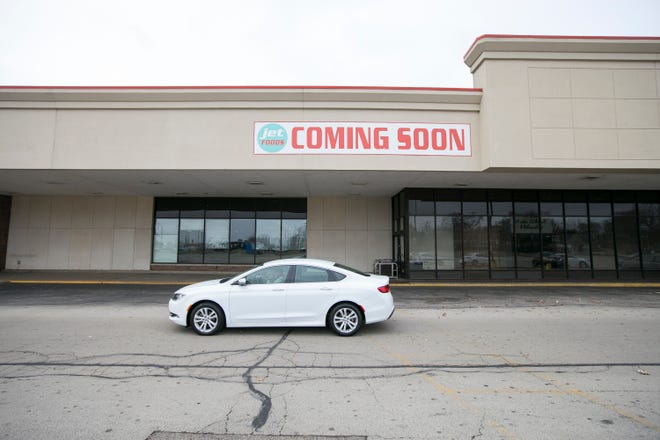 A new grocery store called Jet Foods could open at a former Hilander location that has sat vacant since 2012 at North Main Street and Riverside Boulevard, but some have raised concerns about loaning the business public dollars.