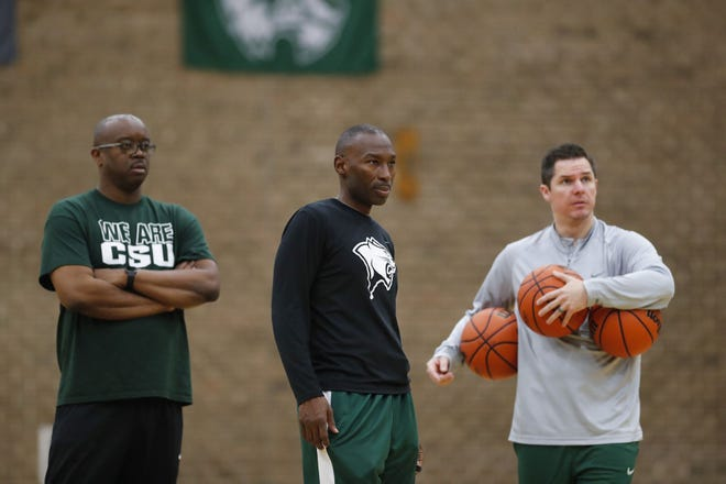 Chicago State coach Lance Irvin, center, works with the team at the Jacoby D. Dickens Physical Education and Athletics Center on the campus of Chicago State University in Chicago on Oct. 25, 2018.