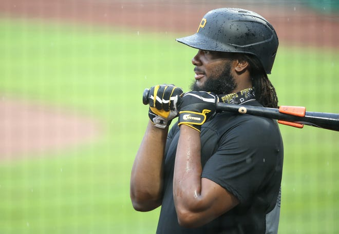 Slugging first baseman Josh Bell is heading to the Washington Nationals.