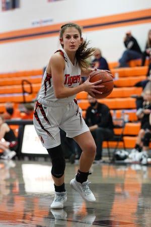 Strasburg's Madi Becker drives with the ball against Ridgewood Tuesday night.