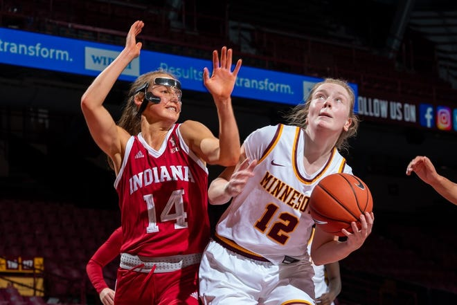 IU's Ali Patberg guards Minnesota's Laura Bagwell Katalinich in Wednesday's 75-54 Hoosiers win.