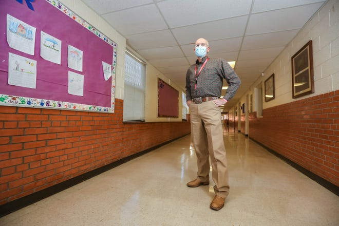 Bobby Stout is pictured at Hermosa Heights Elementary School in Las Cruces on Wednesday, Dec. 23, 2020.