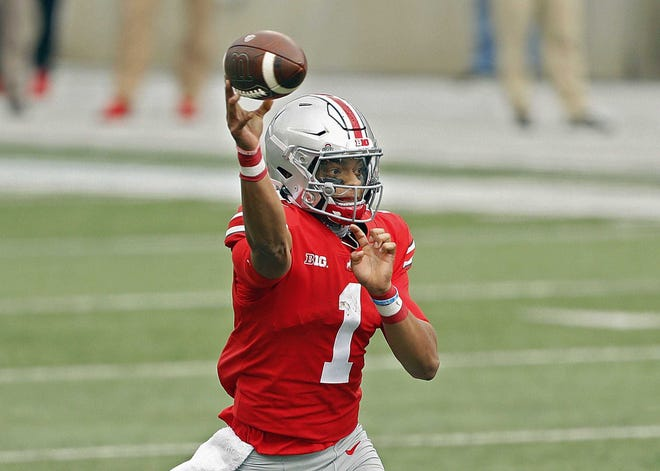 Justin Fields has completed78.1% of his passes for 15 touchdowns this season.