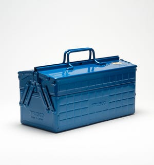 The Trusco ST-350-B is a rugged cantilevered tool box that is as rugged as it is sleek.