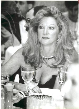 Kathleen Ford at a Detroit dinner in 1985.  [Photo by DAVID TURNLEY/Detroit Free Press]