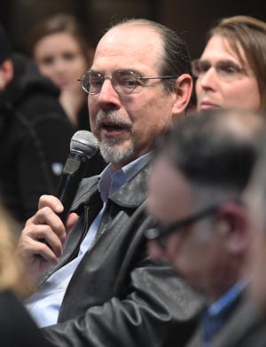 Fred Sheil, administrator at STAND,StocktoniansTaking Action to Neutralize Drugs, speaks at a public meeting in 2018.