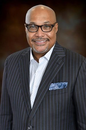 B-CU's Lynn Thompson is leaving the school after next month.