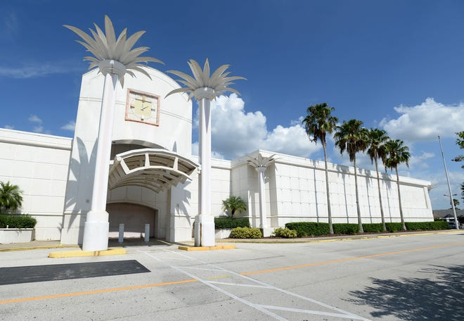 The old Macy's store at Lakeland Square closed in 2017, leaving just one in Polk County. That last Macy's, at Winter Haven's Citi Centre, has closed.