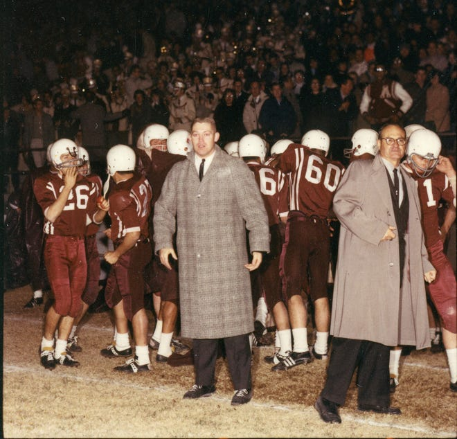 NM State greats Charlie Johnson and Warren Woodson led the Aggies to an undefeated season and Sun Bowl win in 1960.
