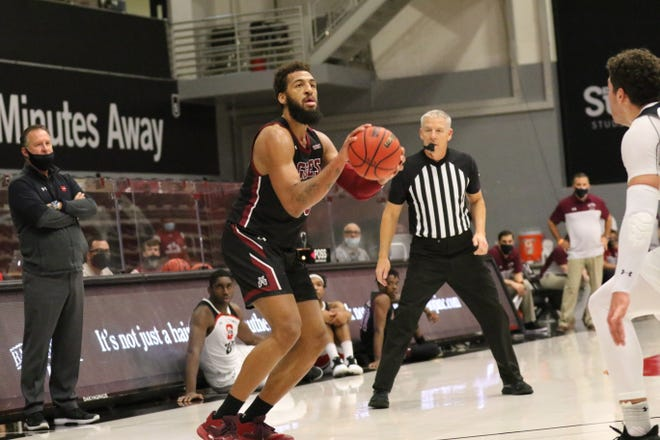 Redshirt senior Johnny McCants lines up for a deep bomb during New Mexico State's game against Cal State Northridge on Dec. 28, 2020, in Northridge, California.