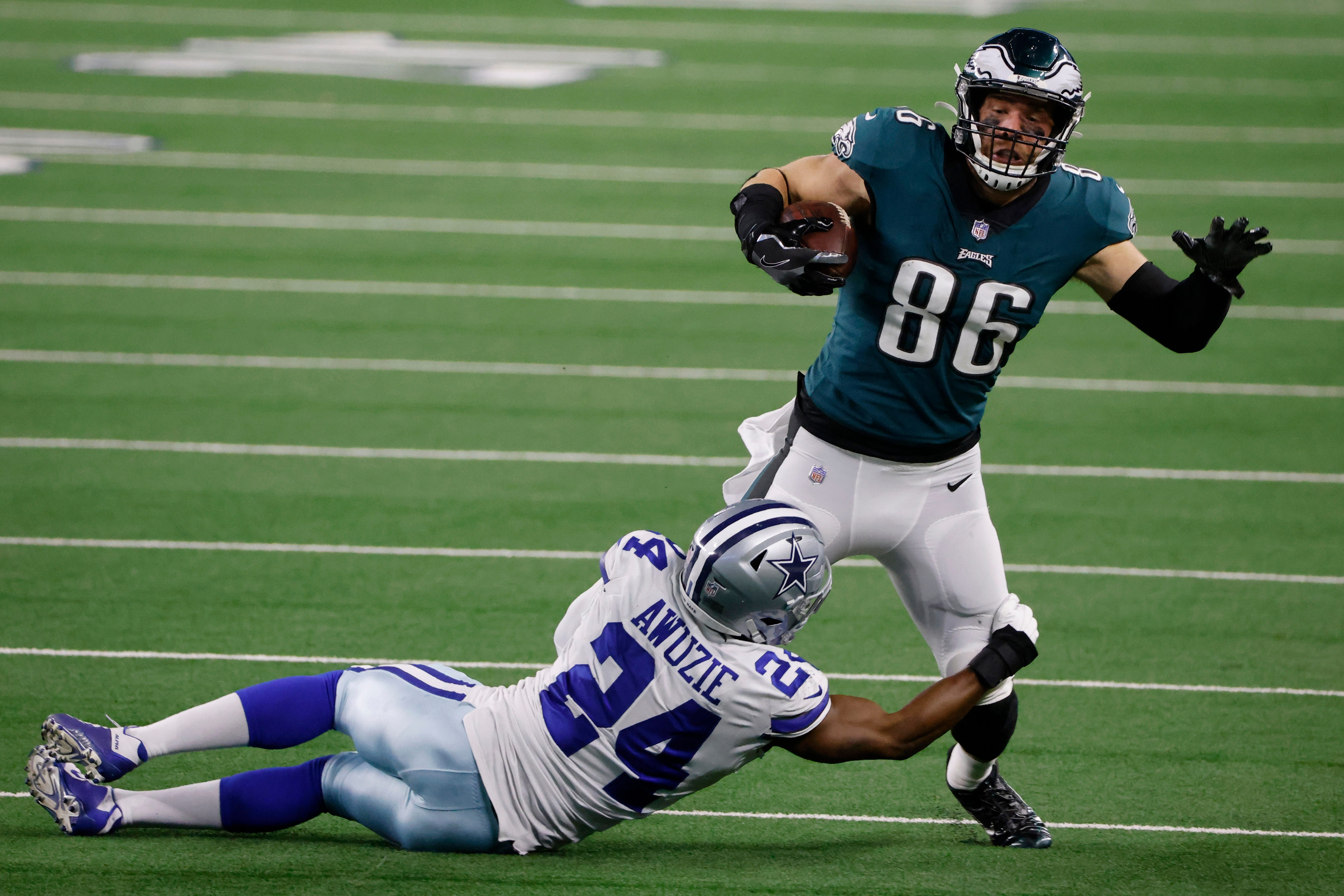 Eagles place tight end Zach Ertz on COVID-19 list ahead of Cowboys matchup