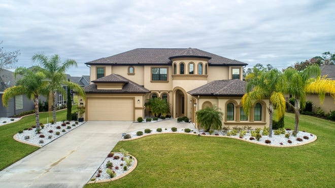 Just 2 years old, this immaculate Brooke ICI model is located in gated Breakaway Trails, which offers its residents 24-hour gated security, a pool, clubhouse tennis, and many walking and running trails.